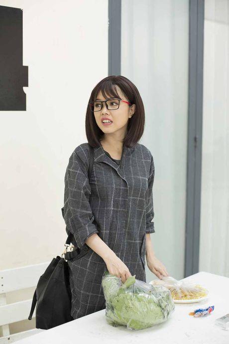 He lo hinh anh hau truong sitcom moi Xin chao ong chu - Anh 6