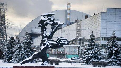 "Ukraine ""chon"" Chernobyl trong ""quan tai"" khong lo - Anh 2"