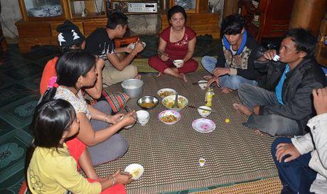 Chuyen cua nguoi phai phan lich ngu voi vo cho cong bang - Anh 1