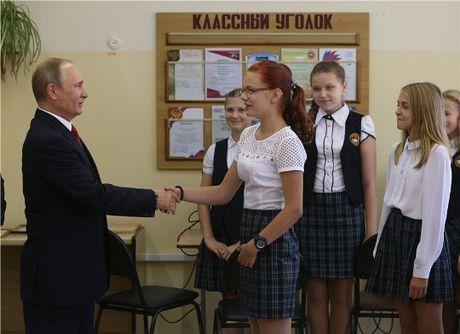 Nam dieu khien Tong thong Putin lo ngai khong yen - Anh 3