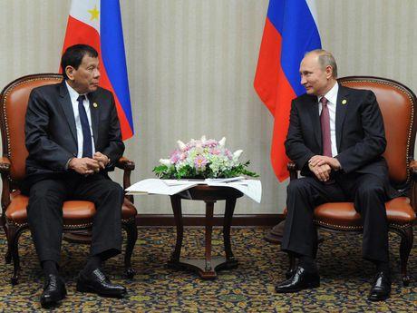 Duterte khang dinh khong lien minh quan su voi Trung Quoc va Nga - Anh 1