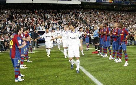 Sieu kinh dien Barcelona - Real Madrid: Vo vong cho ke bam duoi - Anh 2