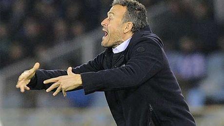 HLV Enrique thua nhan Barca dang choi te chua tung thay - Anh 1