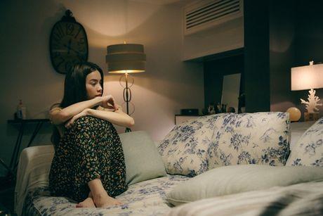 Ho Ngoc Ha khoc nghen ngao trong phan cuoi phim ngan 'Gui nguoi yeu cu' - Anh 2
