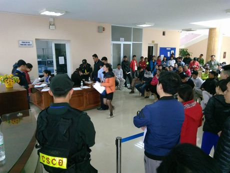 Chi 13.000 ve tran Viet Nam - Indonesia duoc ban truc tiep toi tay nguoi ham mo - Anh 1