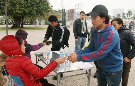 Chi 13.000 ve tran Viet Nam - Indonesia duoc ban truc tiep toi tay nguoi ham mo - Anh 2