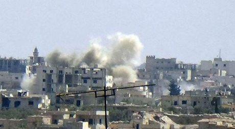 My tuyen bo cuoc khong kich nham vao binh si Syria la 'hop phap' - Anh 1
