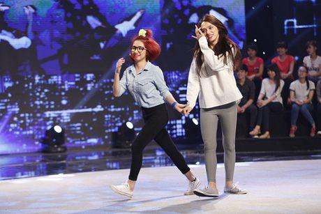 Huong Giang Idol chi trich Hoa Minzy vi hinh xam tren nguc - Anh 3
