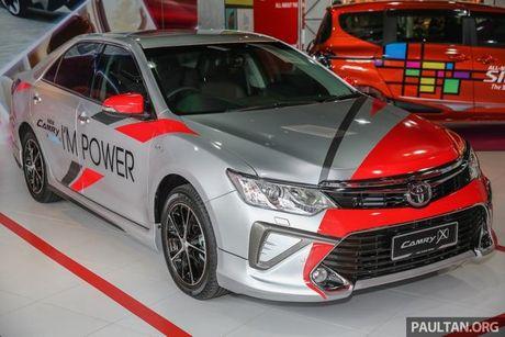 Sau Viet Nam, Toyota Camry ban nang cap ra mat tai Malaysia - Anh 1