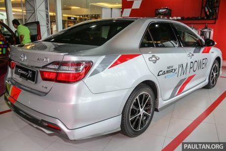 Sau Viet Nam, Toyota Camry ban nang cap ra mat tai Malaysia - Anh 2