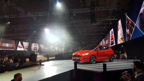 Ford Fiesta 2017 trinh lang, them phien ban gam cao - Anh 9