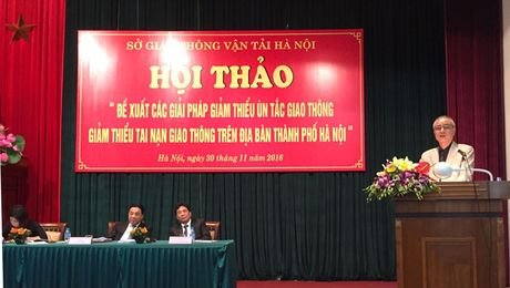 Ha Noi: O to con chiem toi 42,18% dien tich giao thong - Anh 1