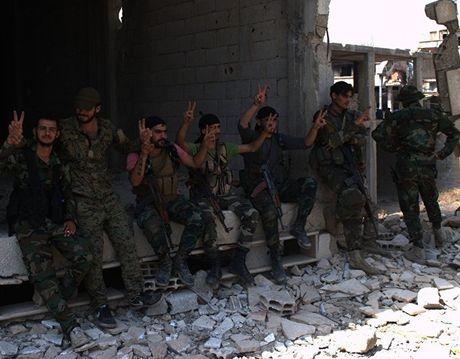 Nhung nguoi linh cua quan doi Syria la ai va song the nao? - Anh 1