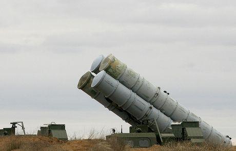 Nga muon quoc te vao cuoc vu Ukraine thu ten lua o Crimea - Anh 1