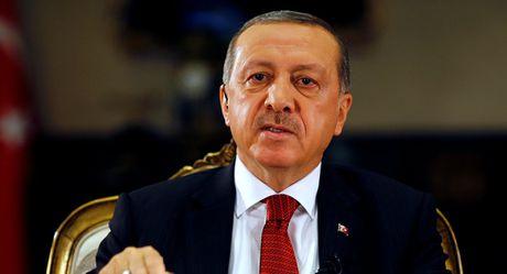 Dien Kremlin cho ong Erdogan giai thich tuyen bo lat do chinh quyen Assad o Syria - Anh 1