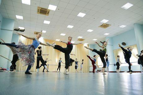 Vo ballet Ho Thien Nga lan dau tien ra mat khan gia Viet - Anh 3