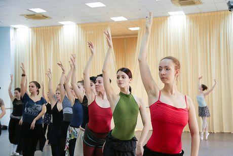 Vo ballet Ho Thien Nga lan dau tien ra mat khan gia Viet - Anh 4