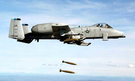 Nghi van ve sai sot tinh bao khien My doi bom giet 60 linh Syria - Anh 1