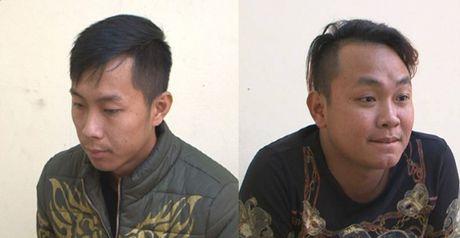 Quang Ninh: Bat khan cap hai doi tuong cuong doat tai san - Anh 1