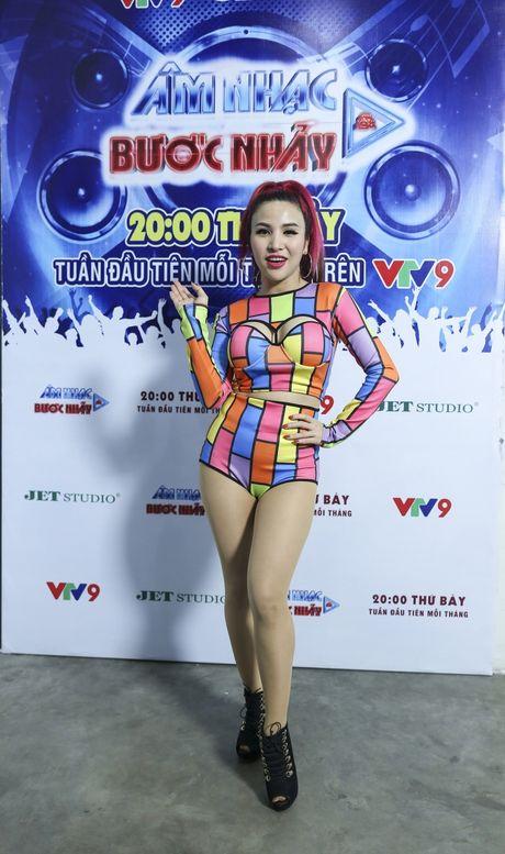 Bao Thy cuc chat voi style 'giau quan' - Anh 10