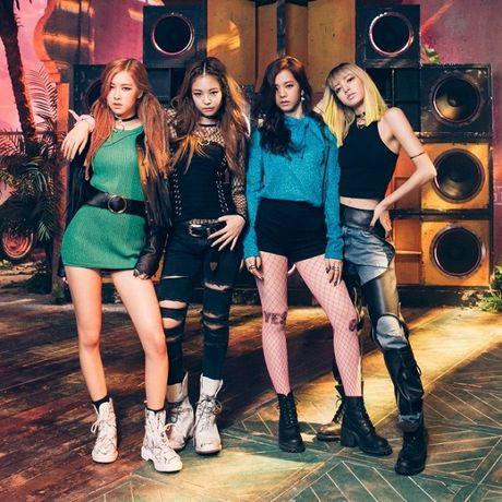 YG Entertainment: 2016 den toi khong co nghia 2017 cung vay! - Anh 9