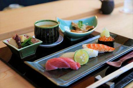 Nhung nha hang sushi 'dat do' o Sai Gon ma cac tin do am thuc phai mo uoc - Anh 3