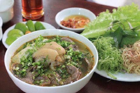 5 mon ngon mien Trung cuc ki duoc yeu thich o Sai Gon - Anh 1