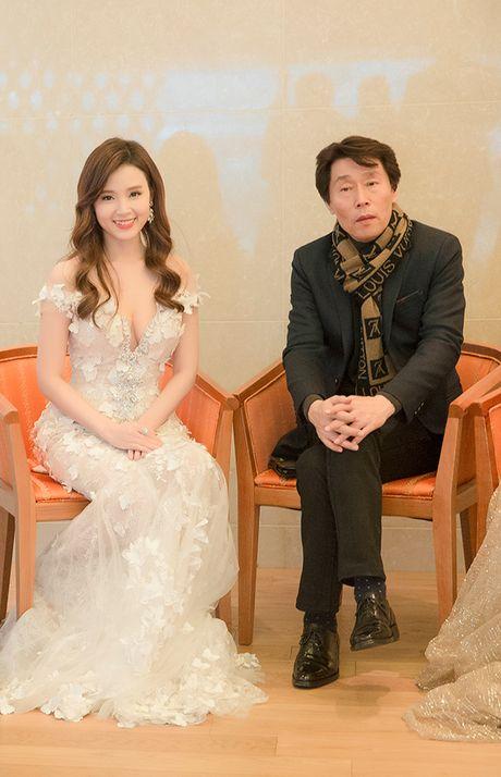 Midu bat ngo nhan giai dien vien Chau A xuat sac tai Korean Culture Entertainment Awards 2016 - Anh 6