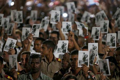 Hang chuc nghin nguoi tuong niem lanh tu Fidel Castro o Havana - Anh 2