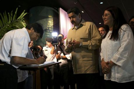 Hang chuc nghin nguoi tuong niem lanh tu Fidel Castro o Havana - Anh 5