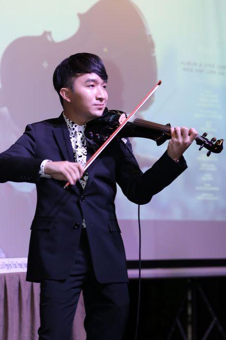 Thu Phuong, ca nuong Kieu Anh cung gop mat trong live concert cua Hoang Rob - Anh 4