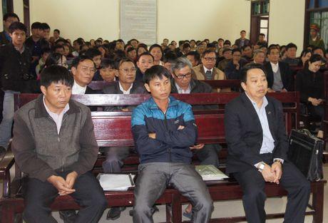 Nguyen chu tich huyen Ky Anh bi de nghi 12-13 nam tu - Anh 1