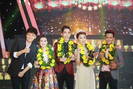 Vinh Thuyen Kim dang quang Nguoi nghe si da tai 2016 - Anh 2