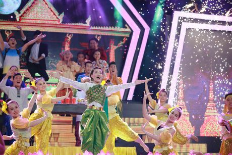 Vinh Thuyen Kim dang quang Nguoi nghe si da tai 2016 - Anh 3