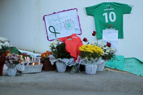 Nhung giot nuoc mat tien biet Chapecoense - Anh 7