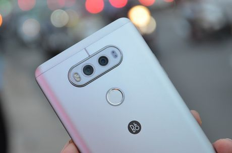 Nhung smartphone hap dan chi ban tren thi truong xach tay - Anh 1