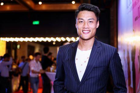 Angela Phuong Trinh duoc dan ve si ho tong khi ra mat phim - Anh 6