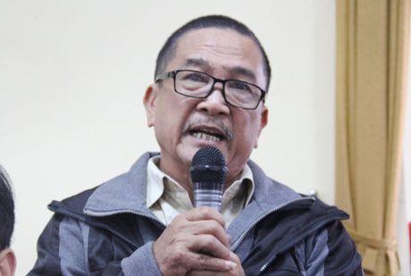 Ong Dinh The Huynh tra loi cu tri vu Vu Dinh Duy di chua benh - Anh 1