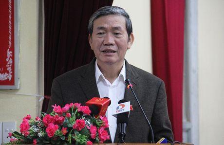 Ong Dinh The Huynh tra loi cu tri vu Vu Dinh Duy di chua benh - Anh 2