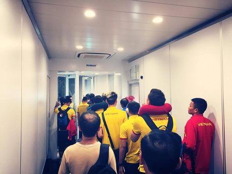 AFF Cup 2016: DTVN gap 'diem go' truoc tran ban ket luot di? - Anh 1