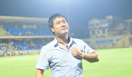 Tra chanh chem gio: Hai ong thay noi o AFF Cup - Anh 1