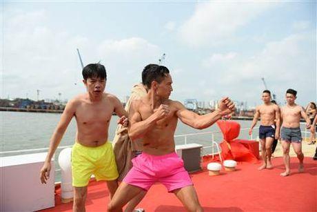 Diep Lam Anh bat ngo bi Thai Hoa vo trong 'Ve si Sai Gon' - Anh 11