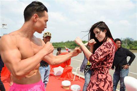 Diep Lam Anh bat ngo bi Thai Hoa vo trong 'Ve si Sai Gon' - Anh 4