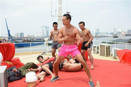 Diep Lam Anh bat ngo bi Thai Hoa vo trong 'Ve si Sai Gon' - Anh 6