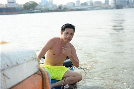 Diep Lam Anh bat ngo bi Thai Hoa vo trong 'Ve si Sai Gon' - Anh 8