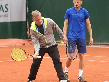 Tennis ngay 30/11: Ly Hoang Nam het hy vong lot Top 600. Djokovic chuan bi chia tay HLV - Anh 2