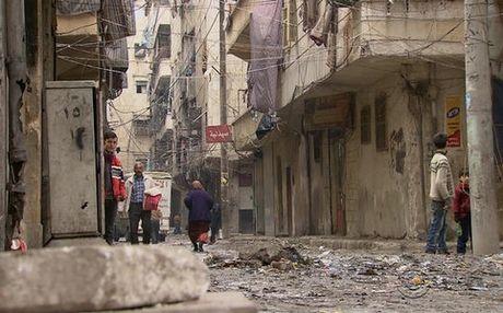 Syria so tan 20.000 dan thuong ra khoi phia dong Aleppo - Anh 1