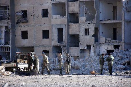 Quan doi Syria gianh quyen kiem soat khu vuc phia Nam Aleppo - Anh 1