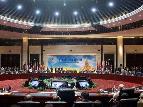 WEF: ASEAN la 'thi truong mo cua hon' ve thuong mai so voi EU va My - Anh 1
