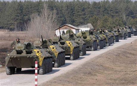 NATO huan luyen cho sy quan Ukraine ve hop tac quan-dan su - Anh 1
